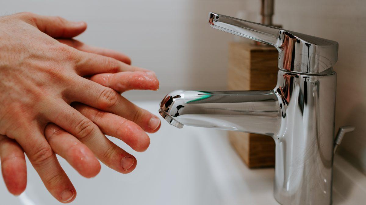 aprendiendo el correcto lavado de manos
